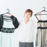結婚式の二次会の服装って変える方がいいの?